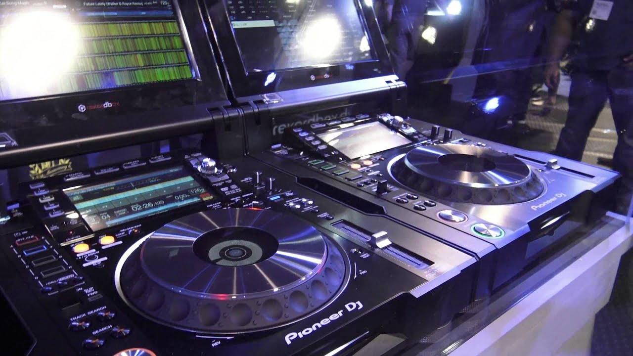 6fd74e40aa3 Pioneer CDJ-Tour1 and DJM-Tour1 at NAMM 2016 - YouTube