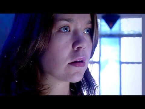 Anna Maxwell Martin in Doctor Who S01 E07 The Long Game