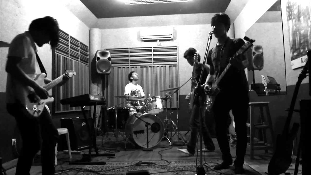 Jakarta View - Pin Up Poster Band (Rehearsal) - YouTube
