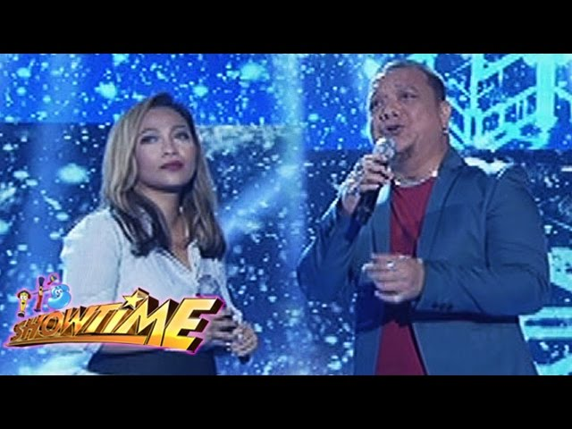 "It's Showtime: Jaya, Mitoy sing ""The Christmas Song"""