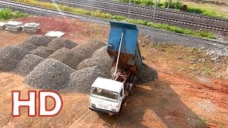 TATA TIPPER LORRY HYDRAULICS AT WORK !