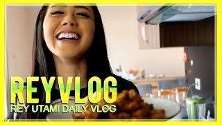 Video #ReyVLOG - Umm... Nikmatnya Masakan TEMPE OREK Rey Utami download MP3, 3GP, MP4, WEBM, AVI, FLV November 2018