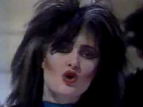 Siouxsie And The Banshees - Il Est Ne Le Divin Enfant French TV (Complete In Colour).mpg