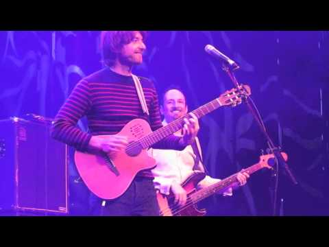 Kings Of Convenience - Boat Behind (Live In London)