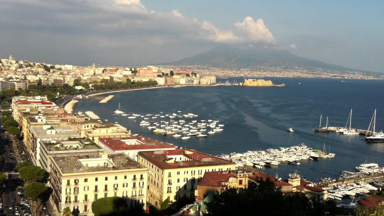 panorama Napoli da Sant\'Antonio a Posillipo - YouTube