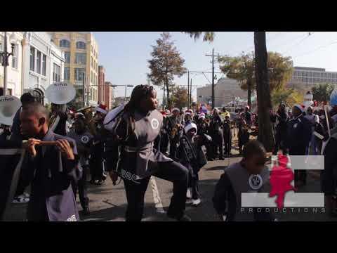 Sophie B  Wright vs Lafayette Academy @Krewe of Jingle Parade (2017)
