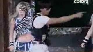 SHAH RUKH KHAN_AZERBAIJAN love mera hit-performance.flv