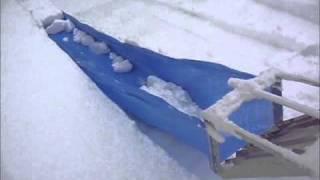 滑落式雪下ろし器 楽ちゃん 実証試験