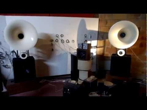 AUDIOPAVILLON public horn enceintes hi-fi francaises a pavillon rond