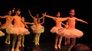 A Valsa da bailarina - Escola de dança Batista Filadélfia