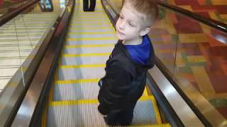 LEARNING TO USE THE ESCALATOR PART 3!!!