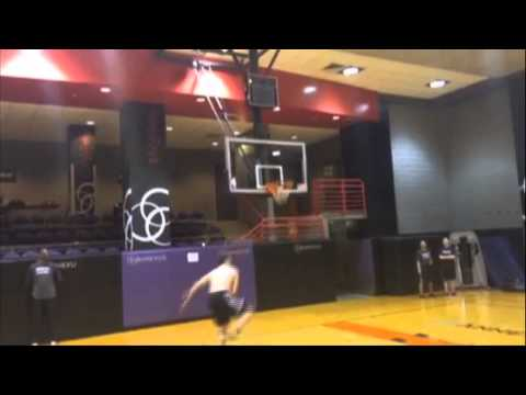 Kevin Love Trick-Shot Dunk in Practice