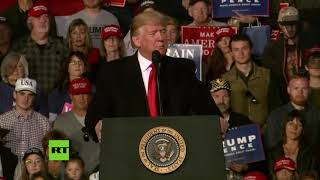 """""""Ya no me preguntan si llevo peluca"""": Donald Trump habla de su pelo en un mitin"""