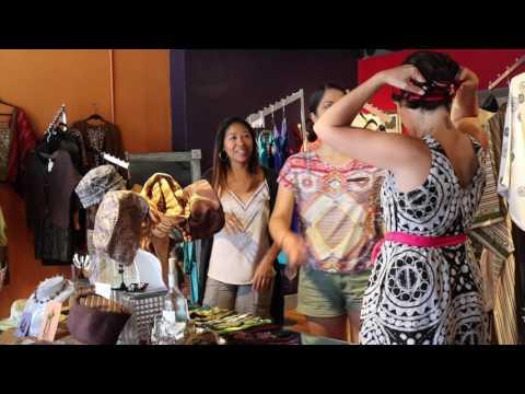 Beatriz, Gloria and Meche go shopping!