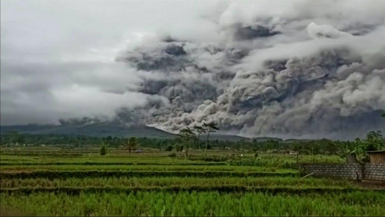"""بالفيديو .. ثوران بركان """"سيميرو"""" في إندونيسيا  - نشر قبل 4 ساعة"""