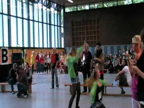 Anna und Sarah Fit and Dance Company Kropp