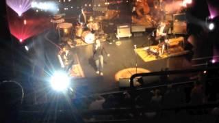 """Steve Perry sings """"Lovin"""