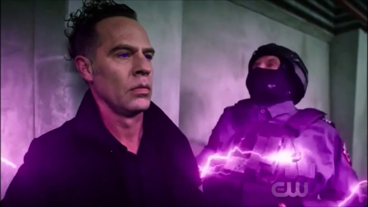 Download The Flash: Opening Scene! | S4 E22