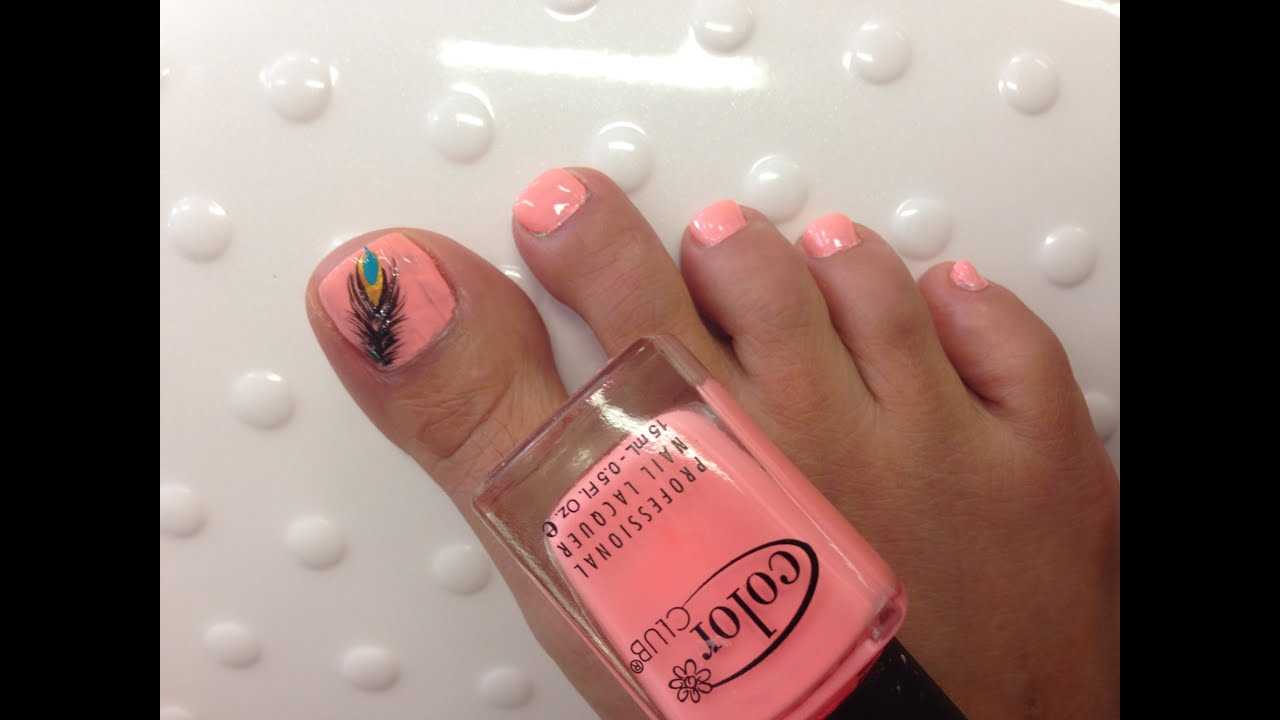 feather design toe nails
