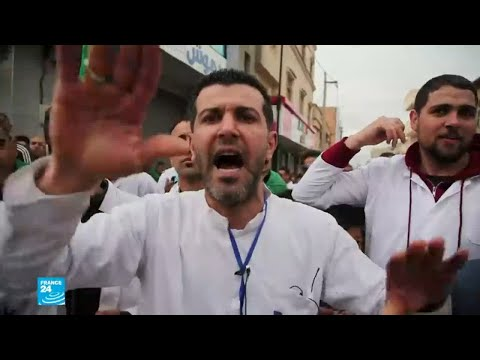 العاملون في قطاع الصحة يتظاهرون في الجزائر  - 12:55-2019 / 3 / 20