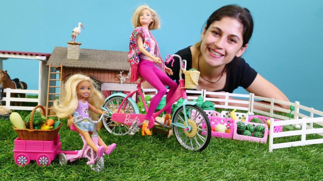 Çocuk videosu. Barbie çiftlikten süt ve meyve alıyor! Kukla oyunu. Kız videosu