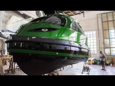 Jet Capsule Reptile Mini Yacht