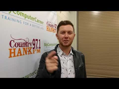 Scotty McCreery wishes Colerain Showcards best of luck