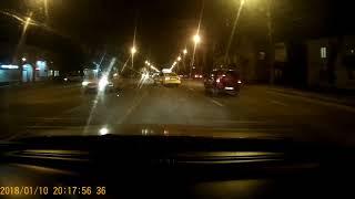 Яндекс Такси едет по встречке (Воронеж)