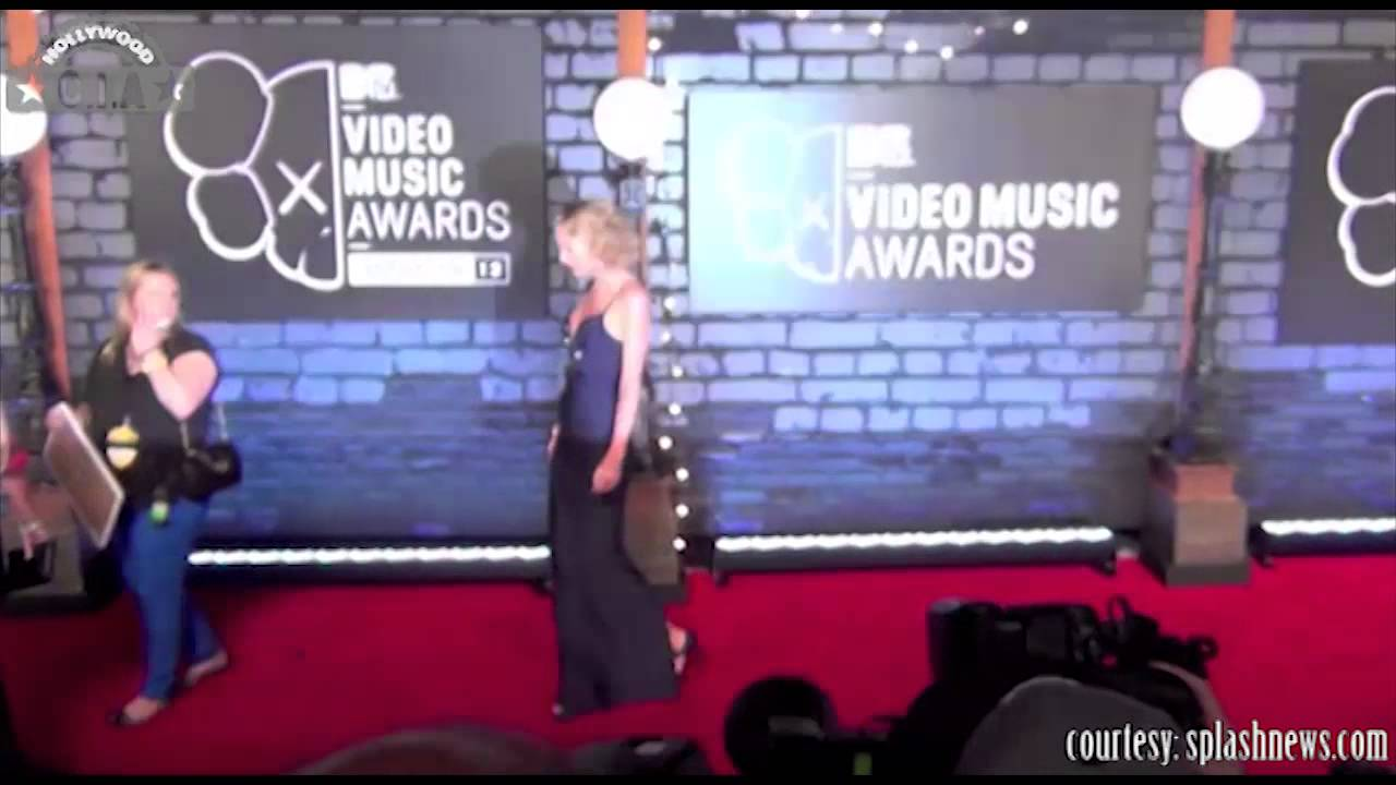 Taylor Swift Shake It Off Performance At Mtv Vma 2014 Was Wow Mtv Video Music Awards 2014 Youtube