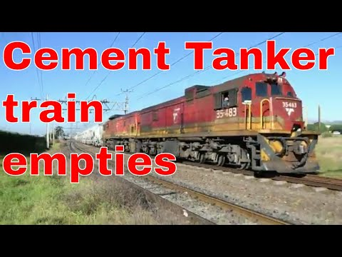 TRANSNET Freight Rail Diesel Train 2xClass 35's working cement tankers
