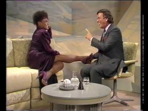 Eartha Kitt  'I want to be evil' - live on 'Wogan' + interview part 1