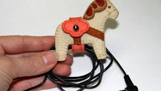 How To Make A Cute Horse Earphone Holder - Diy Technology Tutorial - Guidecentral