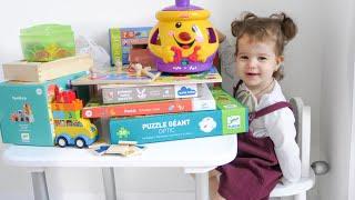 видео Как выбрать развивающие игрушки?