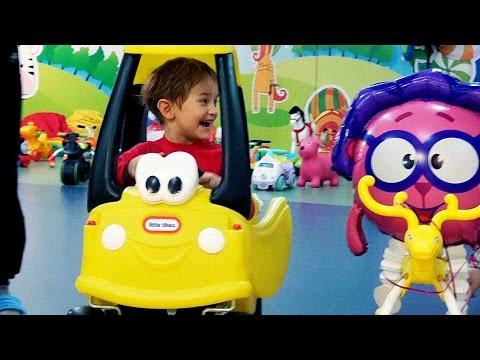 СМЕШАРИКИ КУКЛА И ДАВИД РАЗВЛЕЧЕНИЯ Для детей KIDS Children Горки батуты шарики мягкие кубики