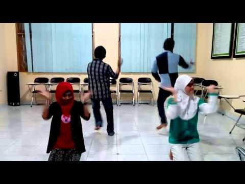 Tari mayiledungga PPAN Gorontalo 2015