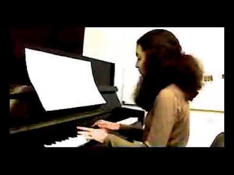 Aslı Semerci - Piyano performansı - Sasav - Sanatçılar ve Sanatseverler Vakfı