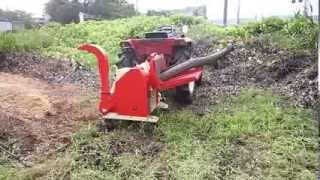 Repeat youtube video PTO-1500H+24PSトラクターでの枝の粉砕