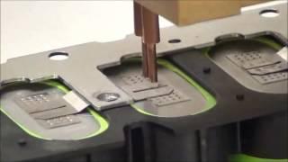 Контактная сварка никелевых разъемов к элементам аккумуляторной батареи аппаратом CD400DP(Контактная сварка никелевых контактов толщиной 0.13мм к элементам аккумуляторной батареи. Используется..., 2015-03-18T15:34:00.000Z)