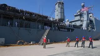DFN:USS Oak Hill Returns to its Homeport VA, UNITED STATES 08.…