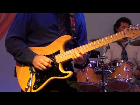 Cicci Guitar Condor - Sultans of Swing (Official video)