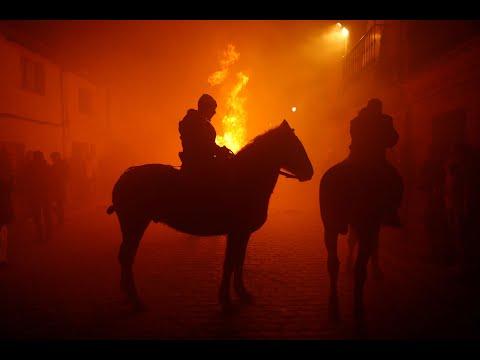"""مهرجان """"لومينارياس"""" السنوي لركوب الخيل في اسبانيا  - نشر قبل 9 ساعة"""