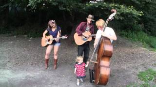 Hand Me The Crown - The Dirty Urchins - Brooklyn BBQ and Busk