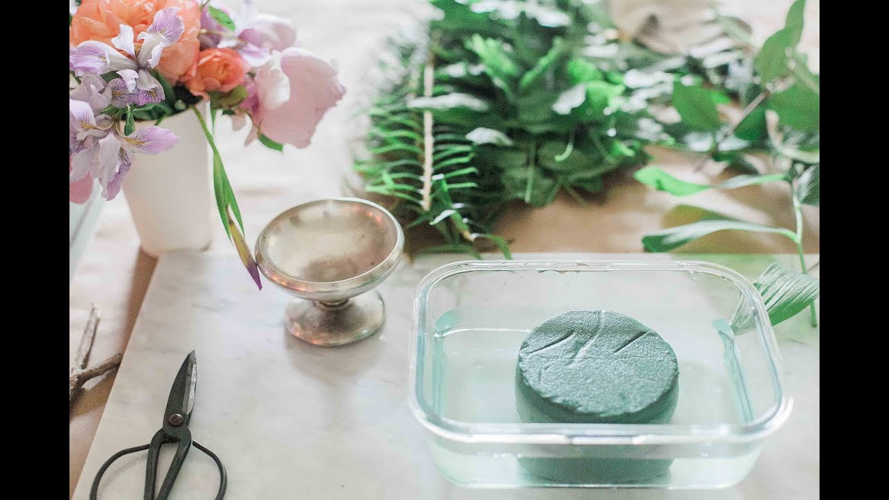 Diy How To Make A Foraged Flower Arrangement With Foam