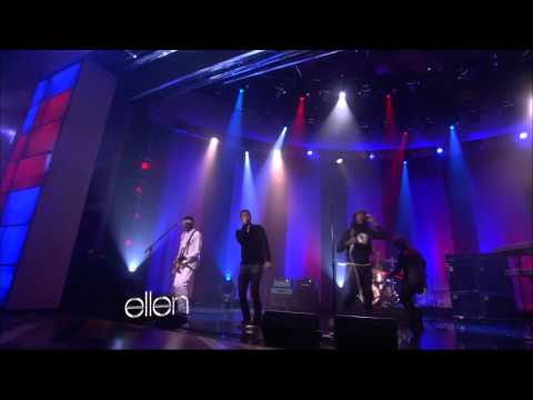 Gym Class Heroes feat. Adam Levine - Stereo Hearts (Live on Ellen DeGeneres 11-23-2011)
