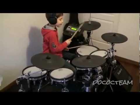 Nino-bateria-tocando-a-Nirvana