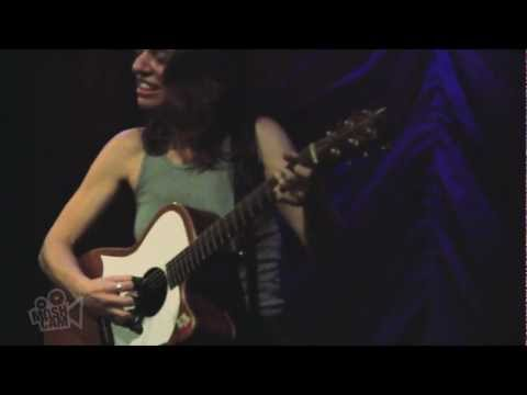 Ani DiFranco - Both Hands (Live in New York) | Moshcam