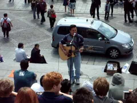 Youri in Paris @ Sacre Coeur (singing Imagine)