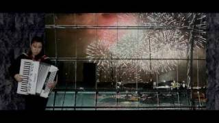 Auckland New Year Fireworks 2011 with Auld Lang Syne by Annie Gong