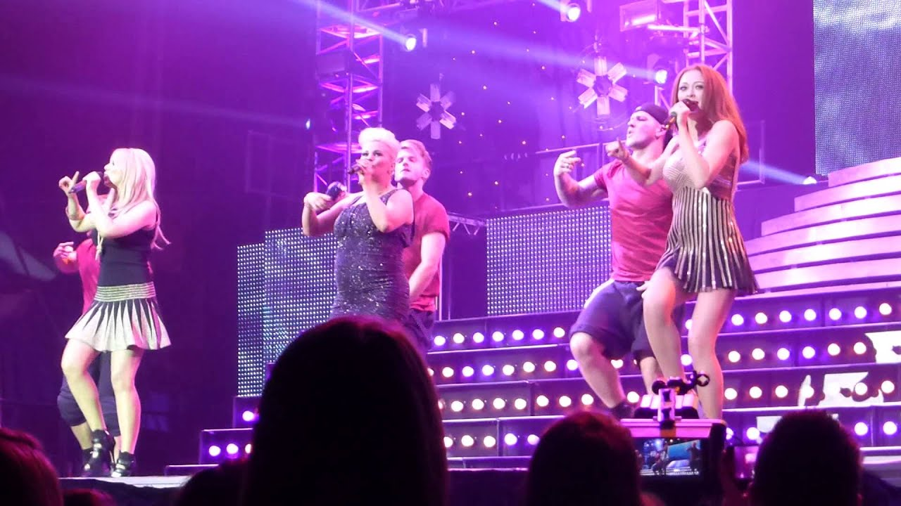 Big Reunion Christmas Party Tour Atomic Kitten The Tide Is High Live Nottingham Youtube