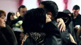 Настоящая Крымско-татарская свадьба! СуПеР(безумно красиво...жених играет на скрипке...такие красивые..., 2010-12-17T21:13:22.000Z)